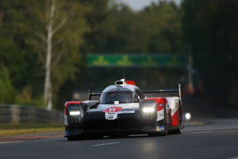 Triplázott Le Mans-ban a Toyota