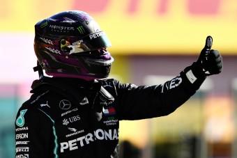 F1: Csapattársa pechjének örül Hamilton