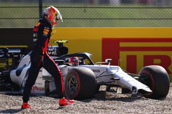 F1: Motorja miatt került tömegbalesetbe Verstappen