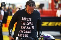 F1: Hamilton miatt szigoríthatnak 1