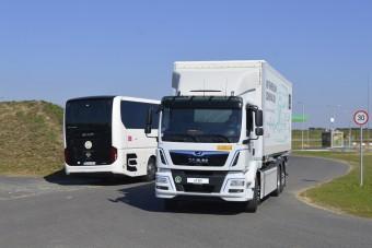 Ritkaság számba menő teherautó járt Magyarországon