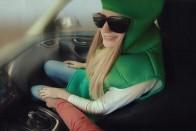 Részeg barátnő hajtott a benzinkút boltjába Eperjesen 2