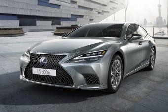 Finomabb lett, alig változott a Lexus LS