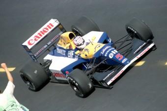 Vettel bajnoki F1-es autót vásárolt