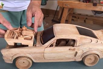 Ez a fából faragott Eleanor a kézművesség csúcsa