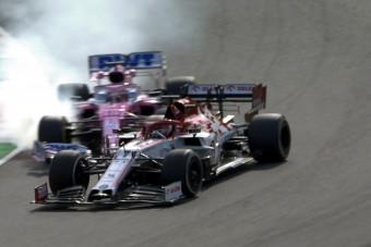 F1: Perez kiütötte Räikkönent, Vettel lerobbant