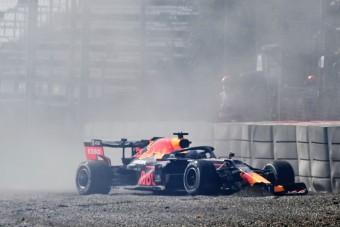 F1: A Merci az élen, Verstappen falnak ment