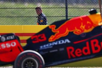 F1: Nagy a baj Verstappen motorjával