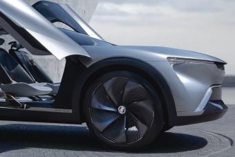 Villanymotorral térhet vissza a patinás luxusautó