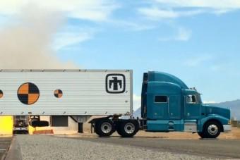 Ez a kamion kiirthaná az emberiséget