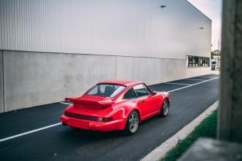 Minden idők egyik legritkább 911-ese a 964 Turbo S
