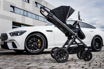 Gondol a családosokra a Mercedes, itt az első hivatalos AMG-babakocsi