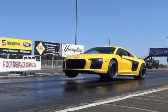 Pusztítóan gyors a 2000 lóerős Audi R8-as