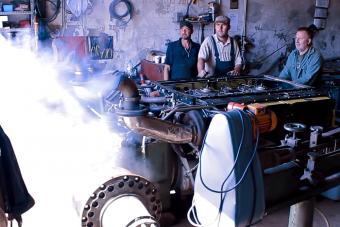 A feltámadó öreg tankmotorok hangja zene a hozzáértő füleknek