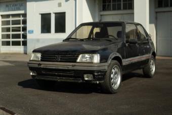 Népszerű típusát rázza gatyába a 210 éves Peugeot