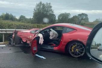 Százmilliós Ferrarit zúztak le az M3-ason