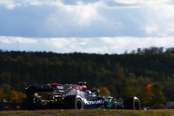 F1: Hátrányból fordított a Mercedes a nürburgringi időmérőn