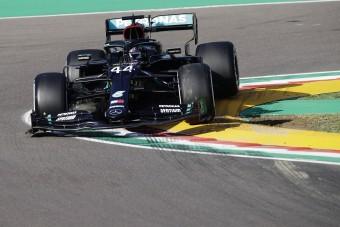 F1: Hamiltoné a furcsa hétvége edzése
