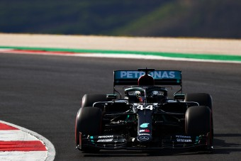 F1: Hamilton kicselezte Bottast a portugál időmérőn