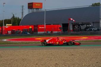Újra Forma-1-essel tesztelt a kis Schumacher