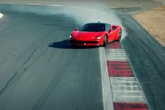 Ilyen, amikor minden biztonsági elektronikát kiiktatva megy pályára az új Ferrari