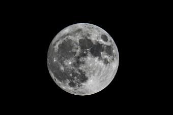 Kiderült, hogy tele van vízzel a Hold
