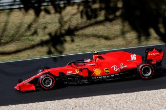 F1: Ráhajt a dobogóra a parádézó Leclerc