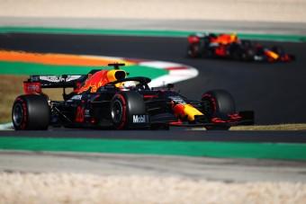 F1: Verstappennek mindegy, kit ültetnek mellé