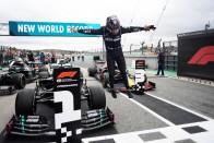F1: Hamilton egy vagyonba fog kerülni 1