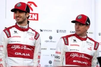 Hivatalos: Räikkönen jövőre is az F1-ben