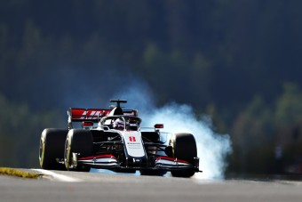 Kifelé kacsintgat az F1-ből Grosjean