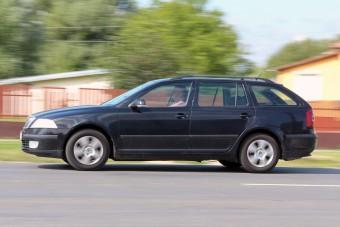Használt autó – Egy visszatekert órás extaxi, 985 000 kilométerrel