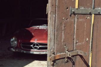 Gyönyörű, patinás 300 SL Roadster bukkant elő a francia pajtából
