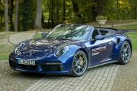 Észvesztő gyorsulási versenyt rendezett a Porsche 1