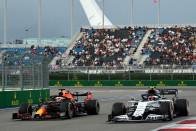 F1: Kizárt, hogy a Red Bull motort kap a Mercedestől 3