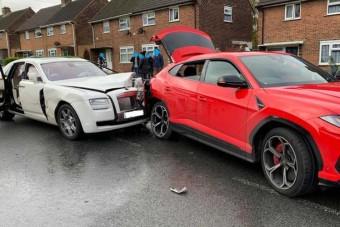 Nézni is fáj a Rolls-Royce és a Lamborghini ütközését