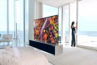 Átlátszó tévét dugott az ágyba az LG 1