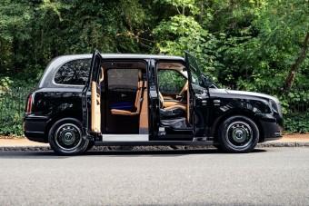 Taxiból csináltak luxusautót