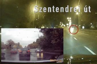 """""""Eltévedt"""" autósok játszanak az életükkel a Szentendrei úton"""