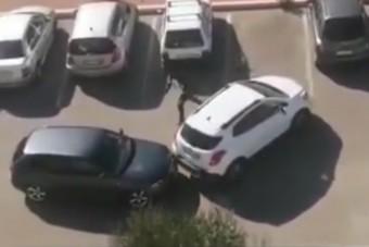 Tágra nyitott szemekkel pislogunk: ezt az autót meg hogy lopták el!?!