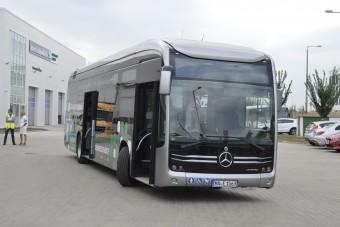Így lehet tölteni az elektromos buszokat (x)