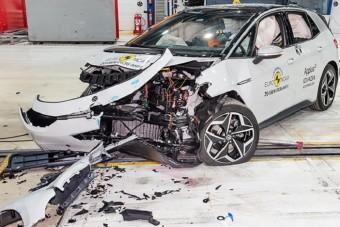 Nagy pofonokat kapott a VW villanyautója, de jól vizsgázott