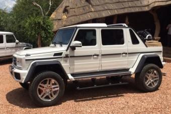 Semmire se jó, mégis 292 millióba kerül ez a Mercedes