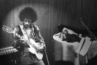 Hárommilliós gitárokkal emlékezik Jimi Hendrixre a Gibson