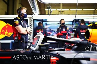 F1: Nem kapkodja el a pilótakérdést a Red Bull