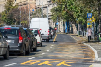 Szokatlan új sáv jelent meg a budapesti utakon