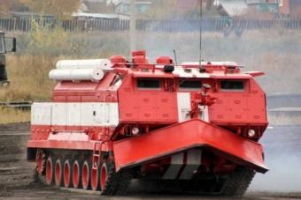 Ebben a tűzoltó acélszörnyben egy T-72-es tank bújik meg