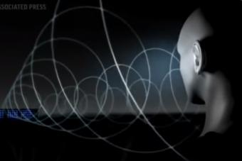 Egyenesen a fülünkbe sugározza a zenét ez az új kütyü