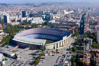 Pénzt adna csapata stadionjára a Barcelona szupersztárja