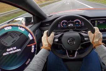 Autópályán mutatja meg tudását az új Škoda Octavia RS